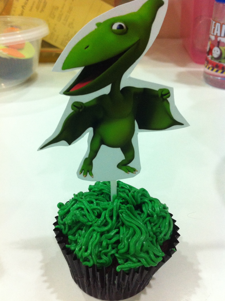 don dinosaur topper cupcake